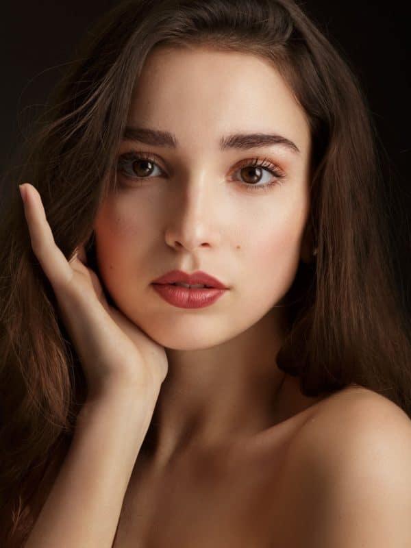 Loesia - Rouge à lèvres Le Prune N°104 - Candice - EAN 3770014805041 - Loesia maquillage biologique et naturel fabriqué en France. Premier Rouge à lèvres français 100% naturel et hydratant