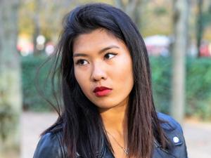 . Premier Rouge à lèvres français naturel et hydratant. Le Bordeaux Nency