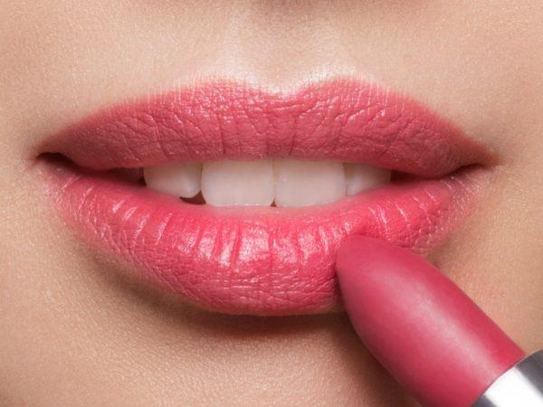 Loesia - Rouge à lèvres Le Cerise N°107 - Bouche - EAN 3770014805089 - Loesia maquillage biologique et naturel fabriqué en France. Premier Rouge à lèvres français 100% naturel et hydratant