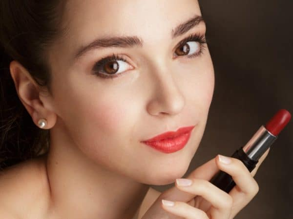 Loesia - Rouge N°101 Candice - EAN: 3770014805010 Maquillage biologique et naturel Fabriqué en France. Rouge à lèvres français 100% naturel et hydratants