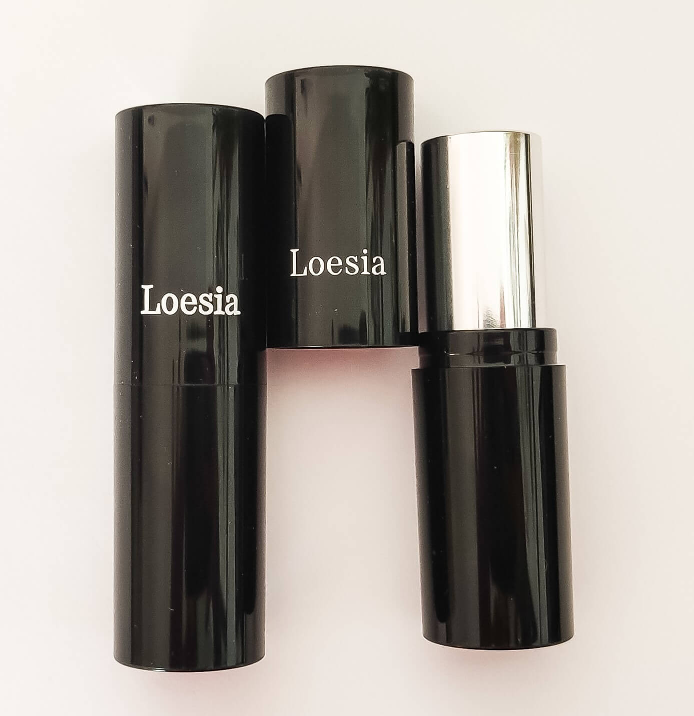Loesia- Organic and natural makeup - Made in France - Lipstick's tubes