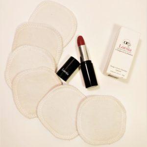 Loesia - Le duo de douceur - Bras - Loesia maquillage biologique et naturel fabriqué en France. Premier Rouge à lèvres français 100% naturel et hydratant