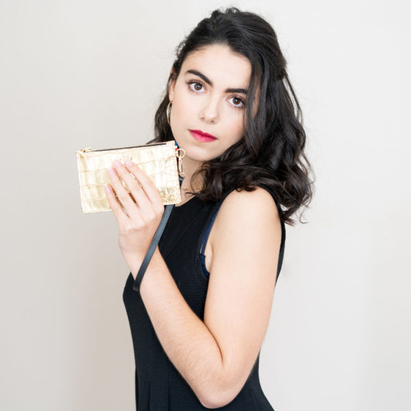 Coffret Fête des mères en partenariat avec Les Belles Musettes, société spécialisé dans l'emballage cadeau réutilisable et l'Atelier Baltus, maison de maroquinerie avec Loesia, maquillage biologique et naturel. Fabriqué en France