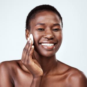 Loesia - Conseils beauté - Quel démaquillant en fonction de son type de peau - gel démaquillant